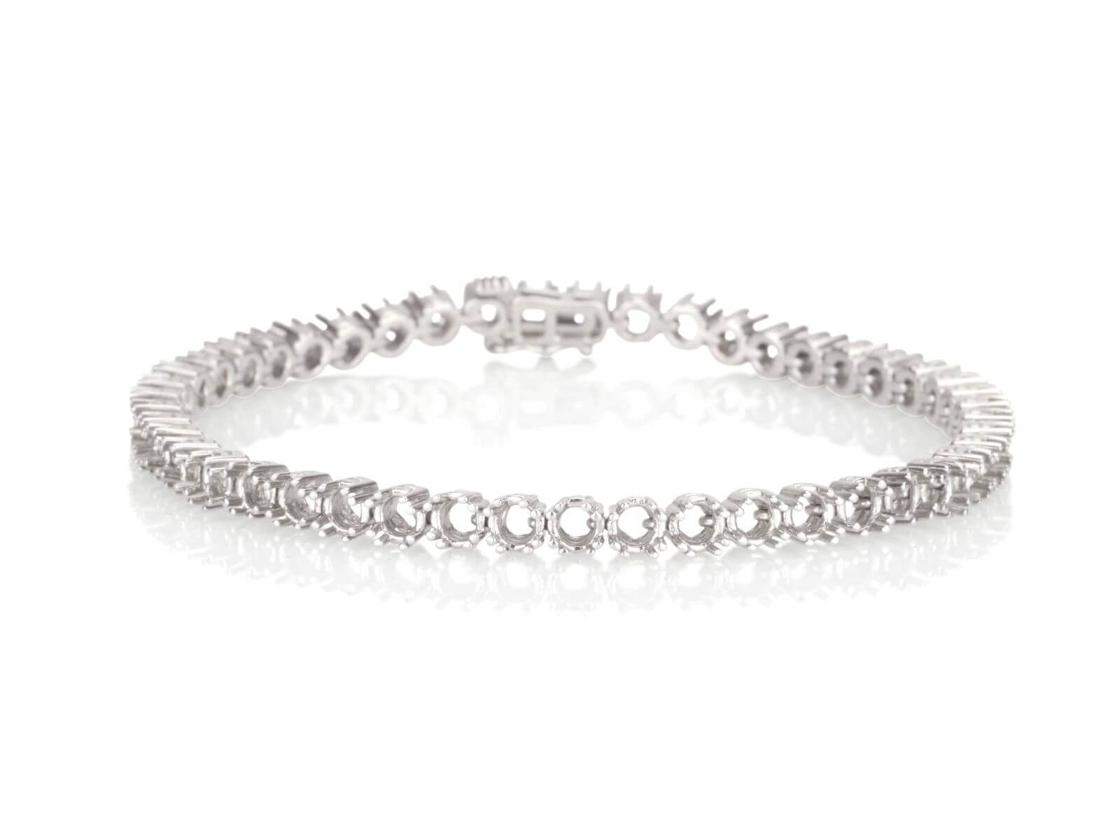 Tennis bracelet 8 prongs