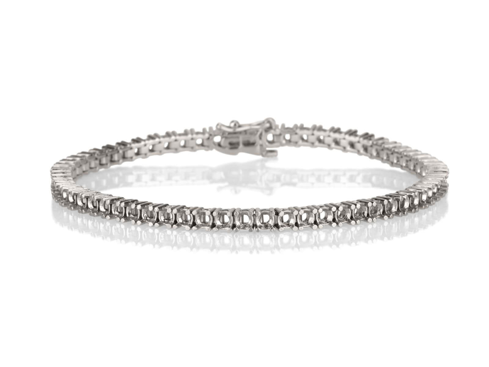 Tennis bracelet 4 prongs 2